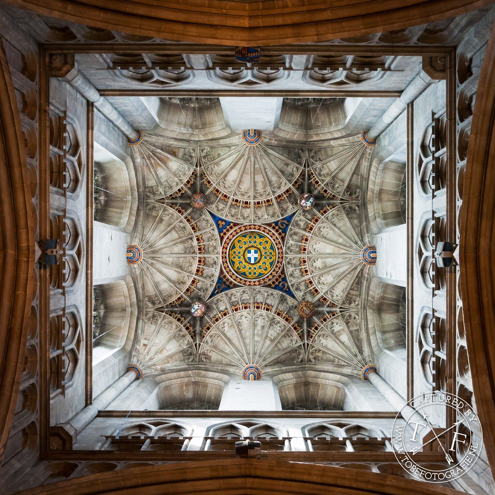 www.tobefotografie.nl -  Canterbury Cathedral, Bell Harry Tower