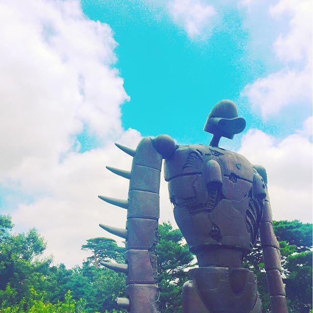 A No Y さんのinstagramをピンしています ジブリ美術館 ロボット兵 井の頭公園 三鷹 森 空 雲 木 自然 大人も乗れるねこバス ふわもふ Ghibli Museum Robot Park Wood Grove Forest Sky Cloud ジブリ美術館 ロボット兵 雲