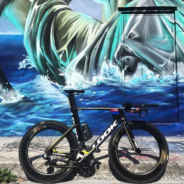 Look 796 @javihidalgom #lovesroadbikes #look796 #lookcycles #zipp #di2 #aeroiseverything #duraacedi2