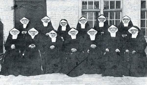 Soeurs Noires de v.1912 Dixmude