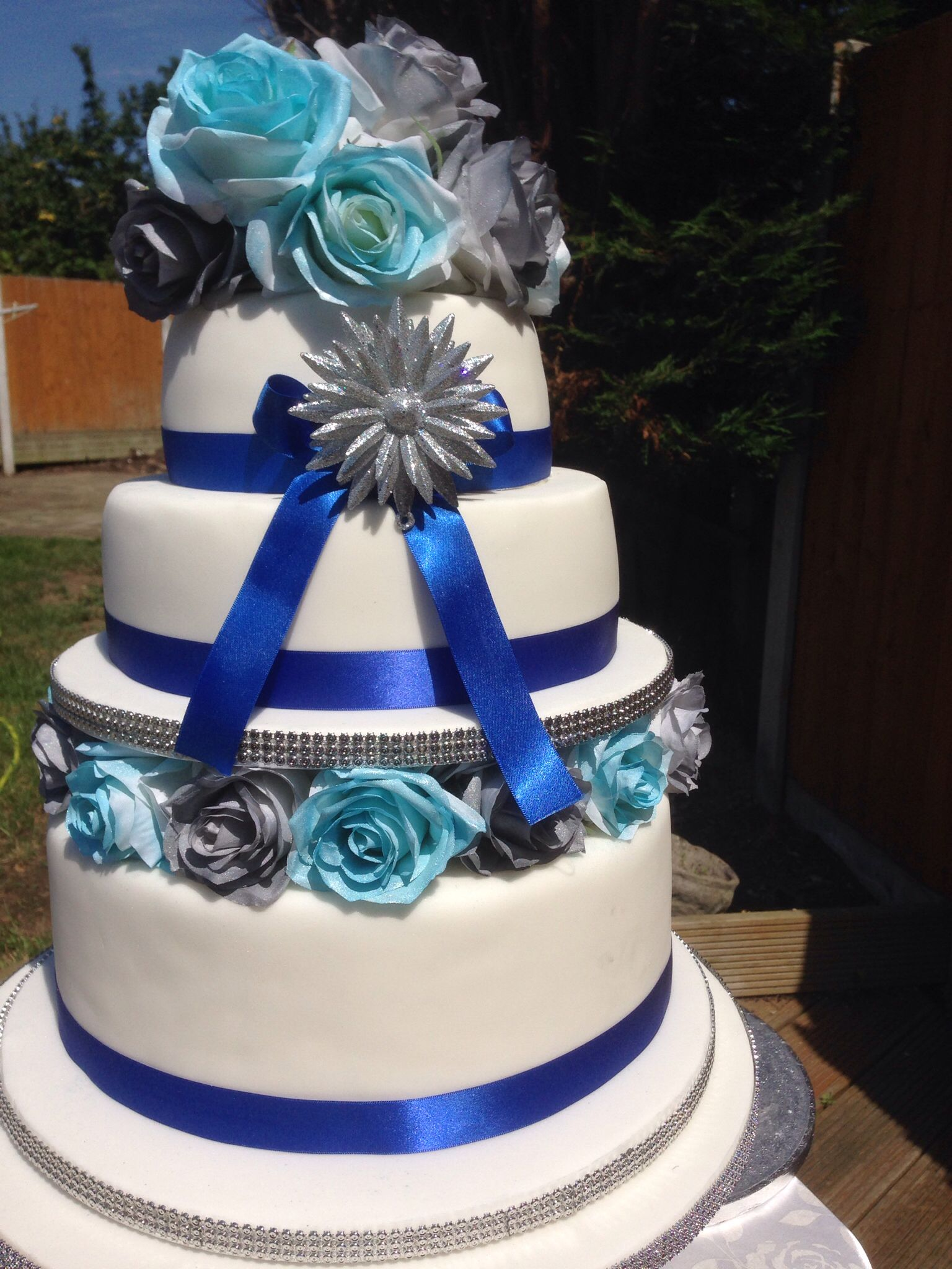 Initial layers with decoration wedding cake made in london initial layers with decoration junglespirit Image collections