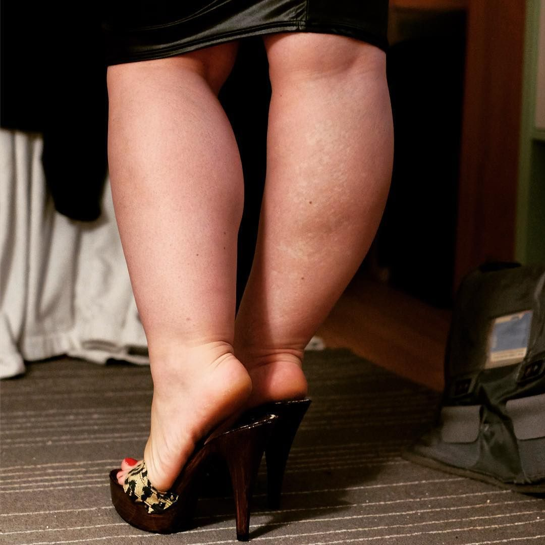 люблю девушек с толстыми ногами фото инной