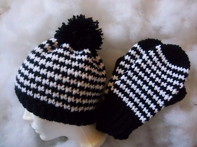 Houndstooth Hat and Mitten Set pattern by Susan Wilkes ...