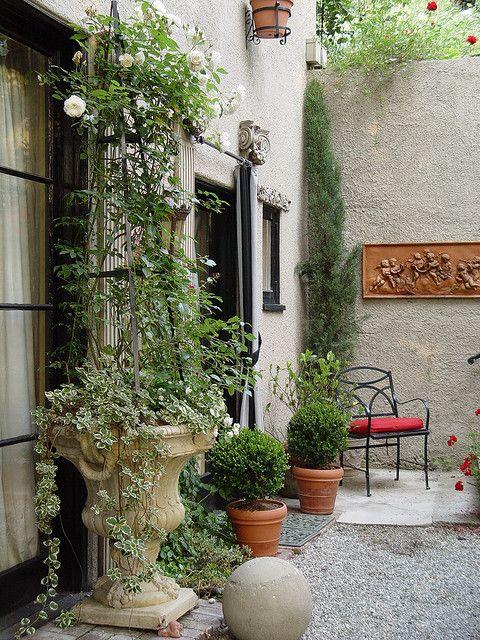 Italian garden italian garden and gardens for Italian patio design