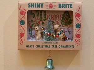 vintage christmas shiny brite ornament shadow box on ebay - Ebay Vintage Christmas Decorations