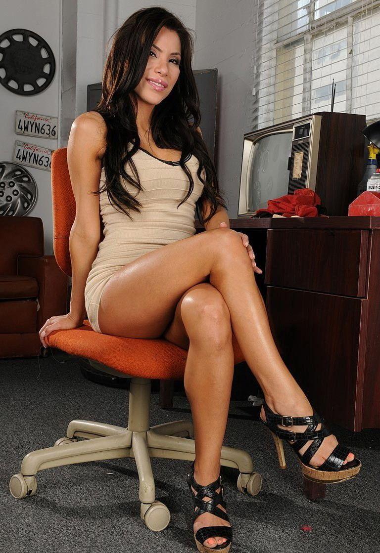 leg pic sexy woman