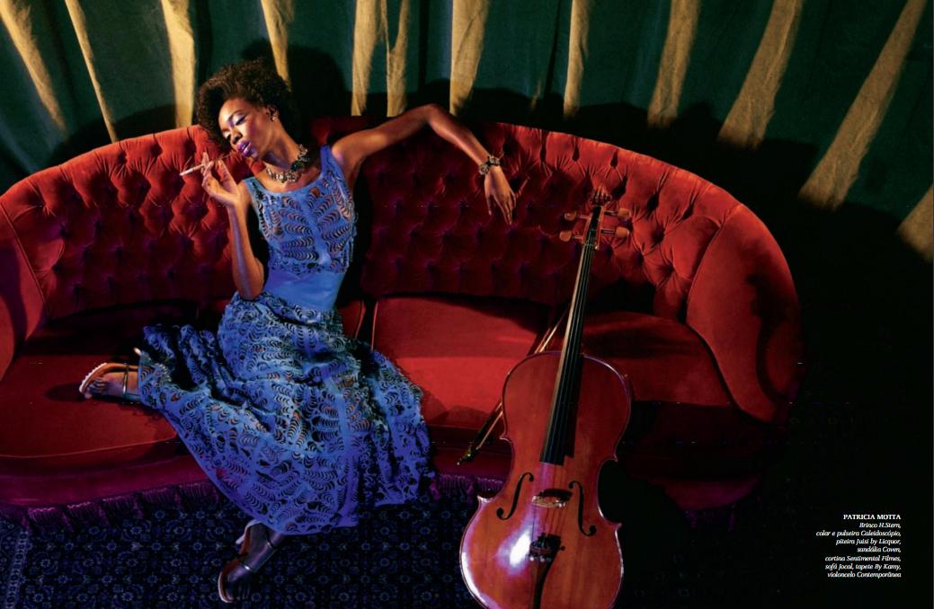 Vestido de couro vazado Patricia Motta na revista ffw Mag!