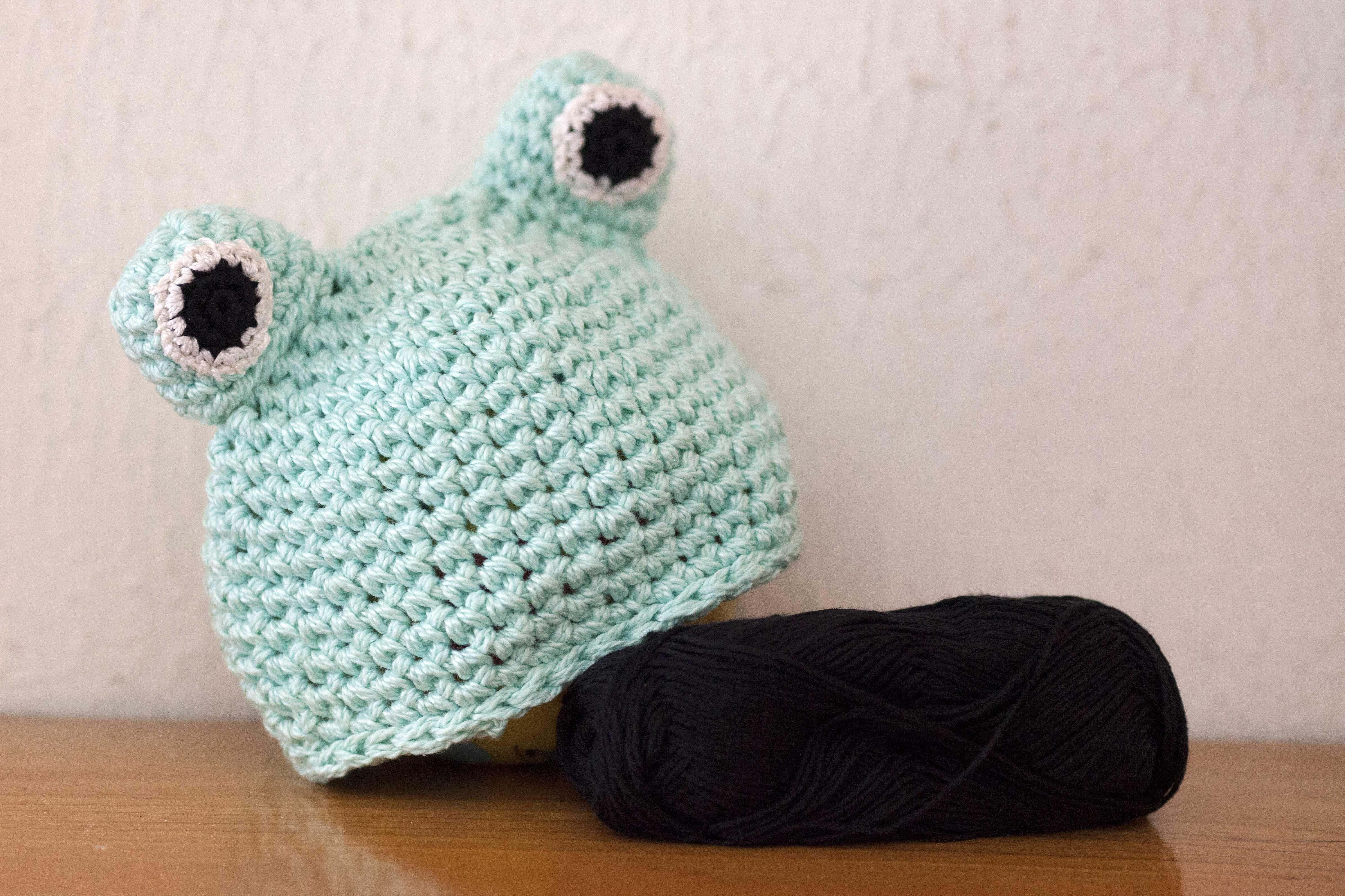 Cappellino rana realizzato all uncinetto in cotone. Cappellino estivo per  neonato. 586ba18f87b4