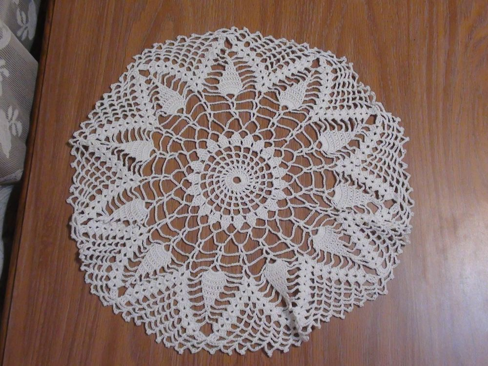 "White 15"" Round Hand made Crochet Lace Thread Doily Pineapple Spiderweb Pattern"