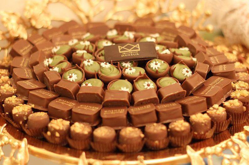 مونور شوكولا Meneur Chocolate شوكولاته كيك الزواج و المناسبات الرياض