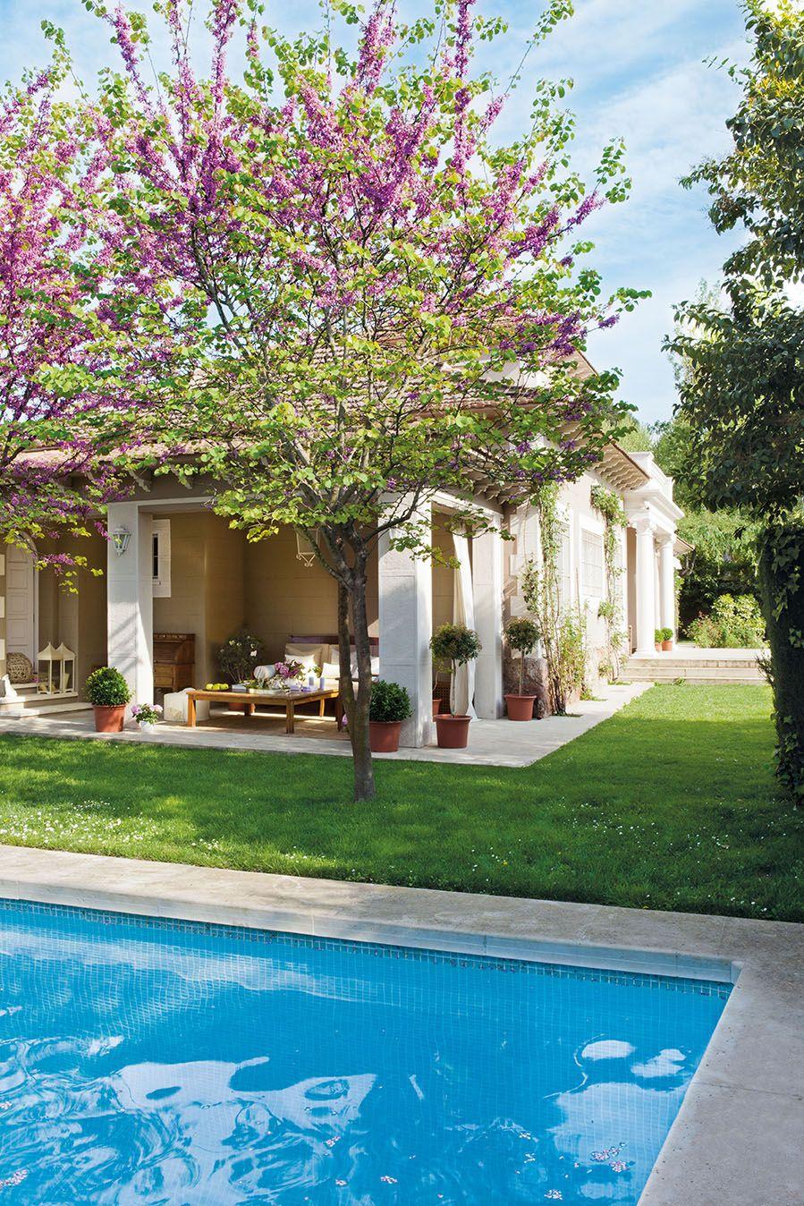 El porche lugar de descanso tras el ba o en 2019 for Casas de campo modernas con piscina