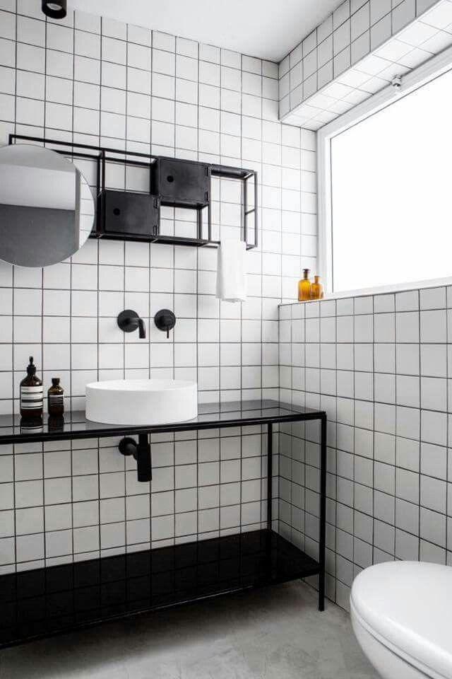 simpel wit met zwarte voeg - Tegels (ceramic tiles) | Pinterest ...