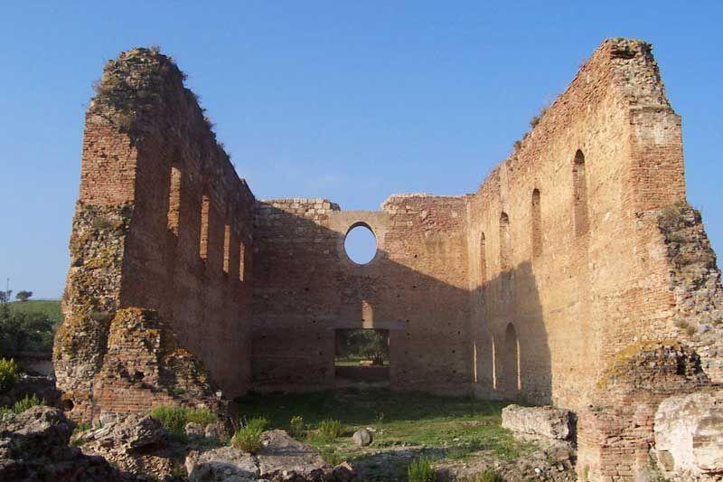 Il Parco Archeologico di Scolacium, colonia romana la cui architettura impera imperterrita #Calabria