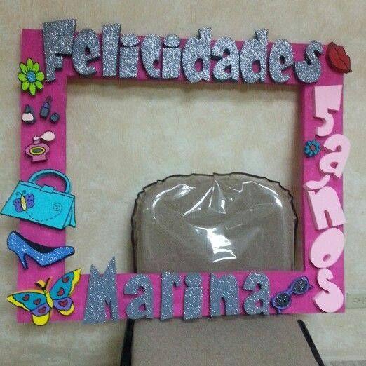 Marcos personalizados para fiestas http tutusparafiestas - Como decorar un marco de fotos ...