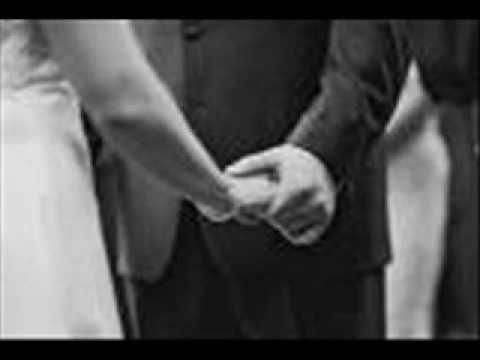 فقدتك حسين الجسمي فقدتك يا أعز الناس فقدت الحب و الطيبة رحلت ومن بقى وياي يحس بضحكتي و بكاي إلى من سلبنا الم Romance And Love In My Feelings Hold
