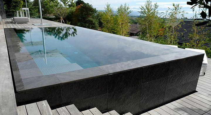 Tendances piscines 2019 7 bassins r v s pour le grand - Piscine rectangulaire semi enterree ...