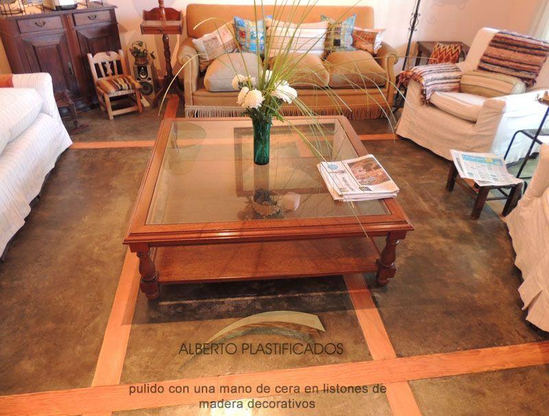 pulido y cera en detalles de madera en piso de cemento alisado por ...