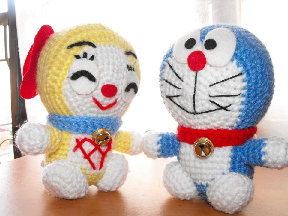 Acá les dejo el patrón de Doraemon...para hacer la dorami tienen que ...