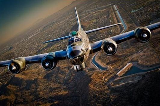 Indy Transponder: Two B-17s WWII bombers appear at Waterloo Air ...