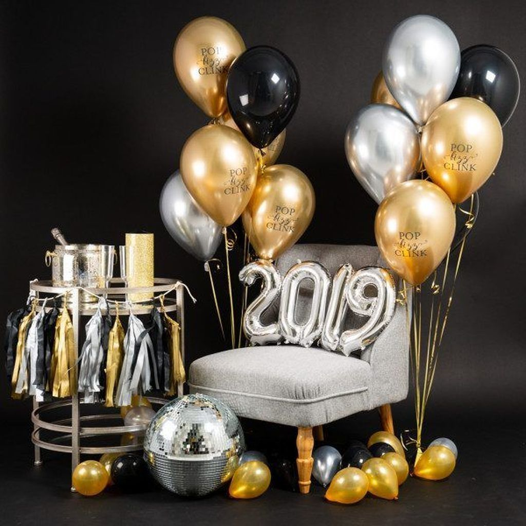 60 Favorite Black And Gold New Years Eve Party Decoration
