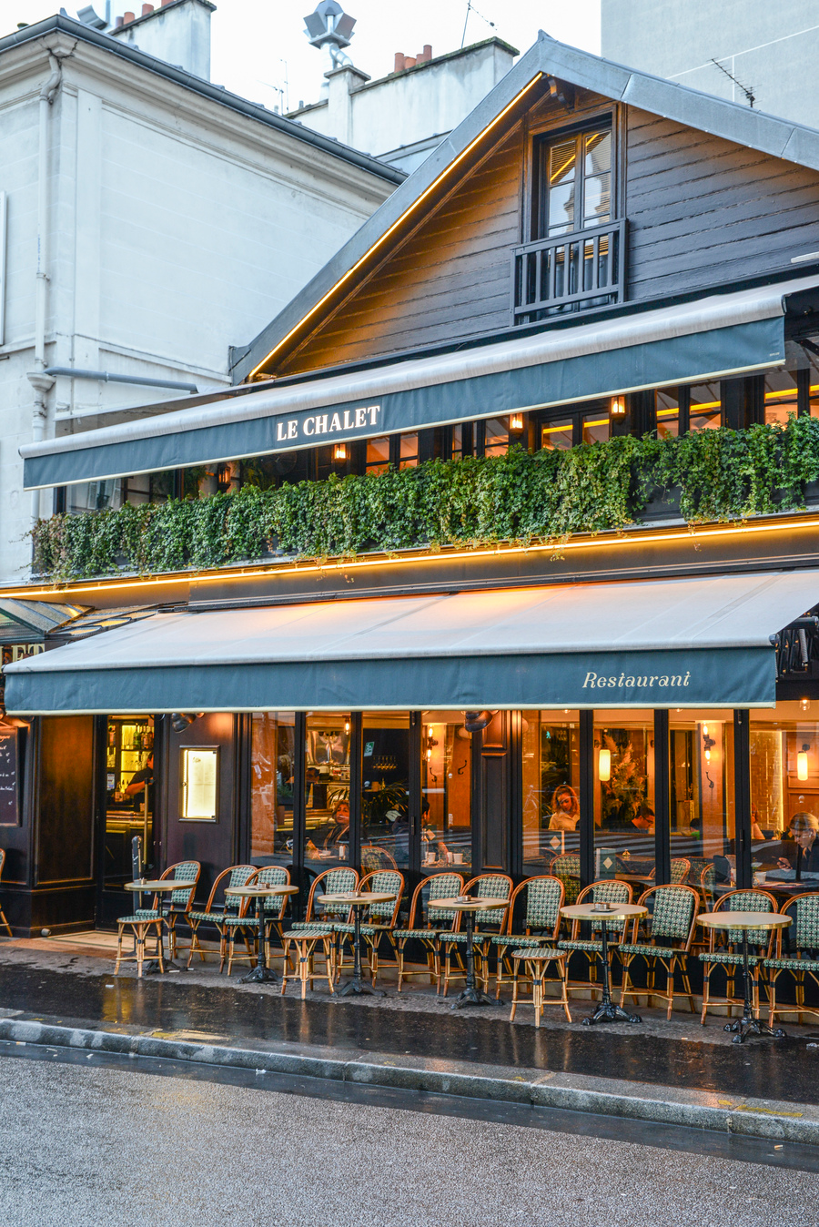 Restaurant - Le Chalet - Paris. Du point de vue de la ...