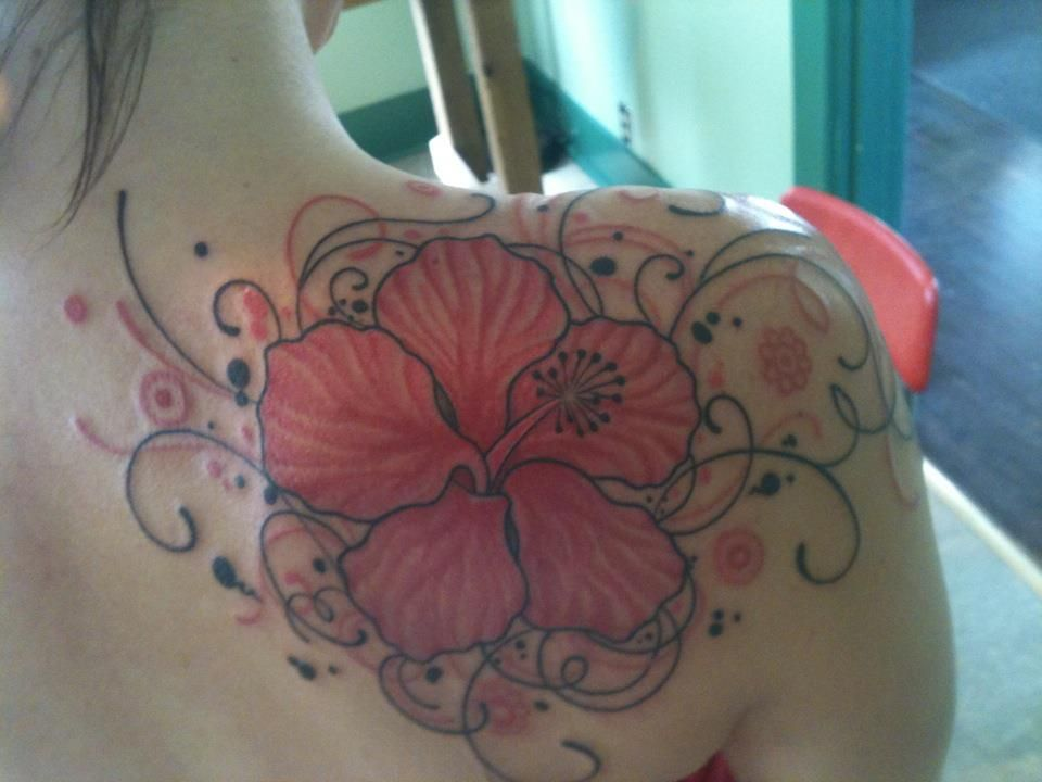 My Shoulder Tattoo Hibiscus Flower Meaning Delicate Beauty And Feminine Swirls Katieburkenpas Hibiscus Flower Tattoos Shoulder Tattoo Swirl Tattoo