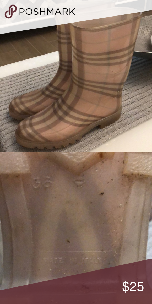fdaece85954 Plaid rain boots Burberry themed plaid all rubber boots. Size 6 ...