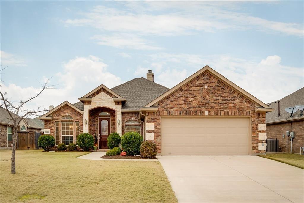 2940 la roda house styles grand prairie property