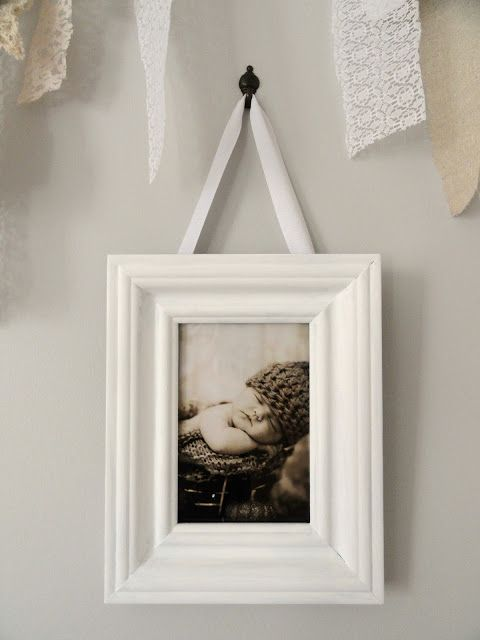 Ribbon Hanging Picture Frame