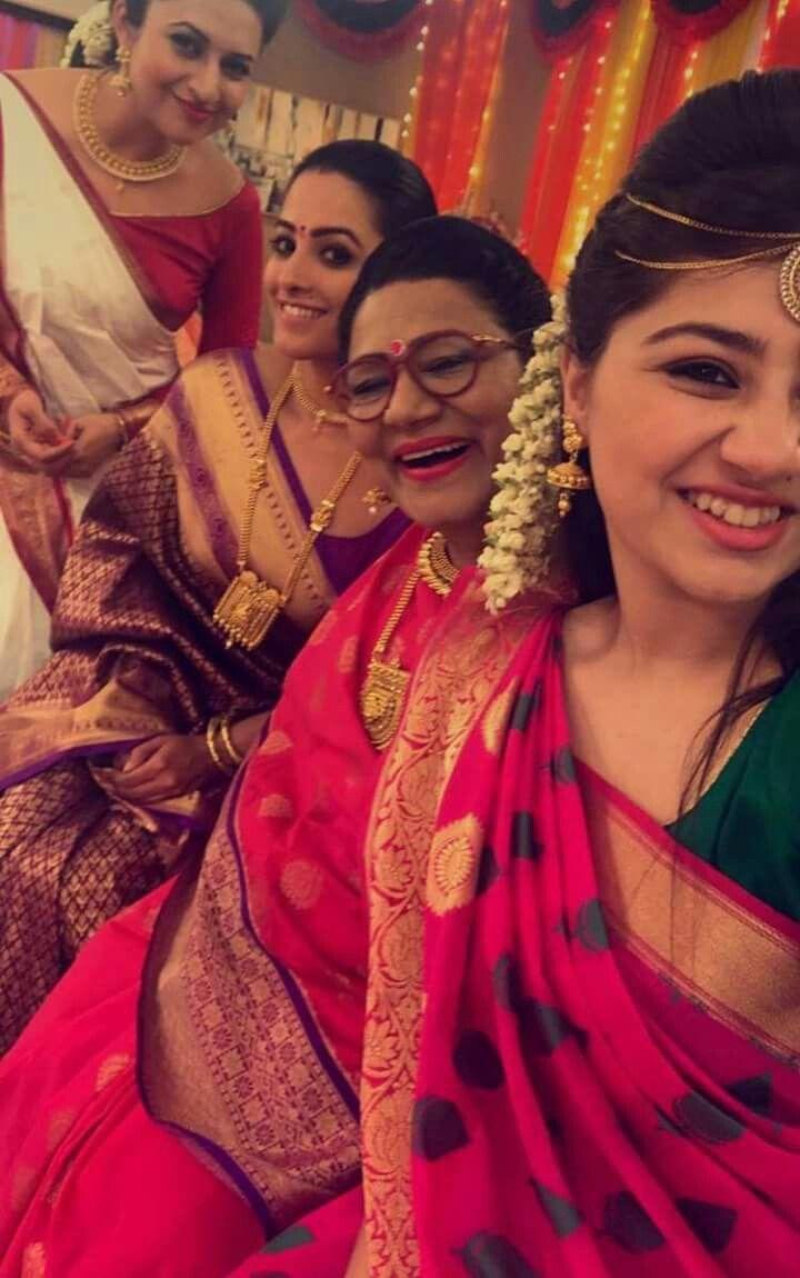 Divyanka Loveyoumom Aditi Bhatia Bridal Looks Saree