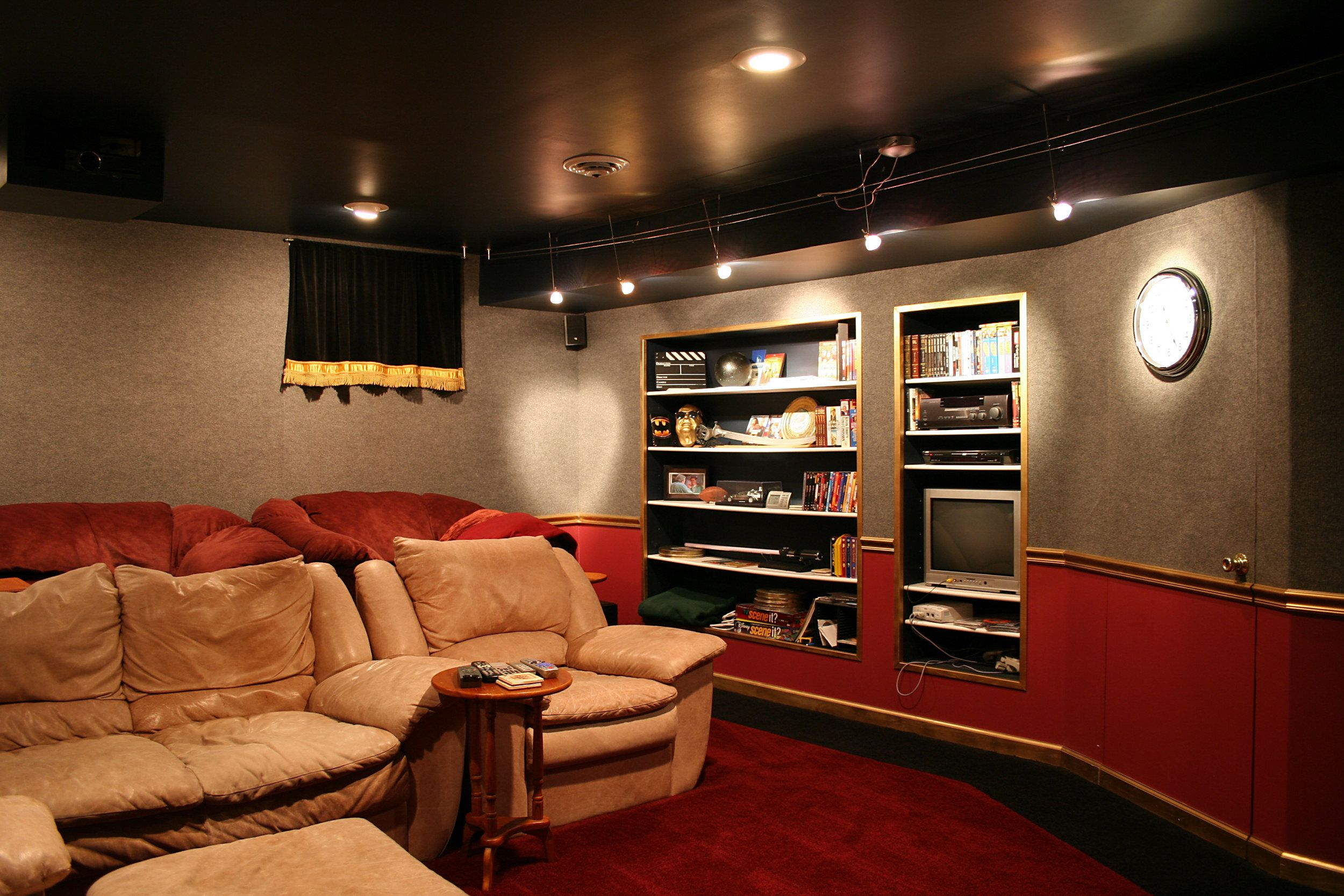 Home Theater System And Entertainment Room