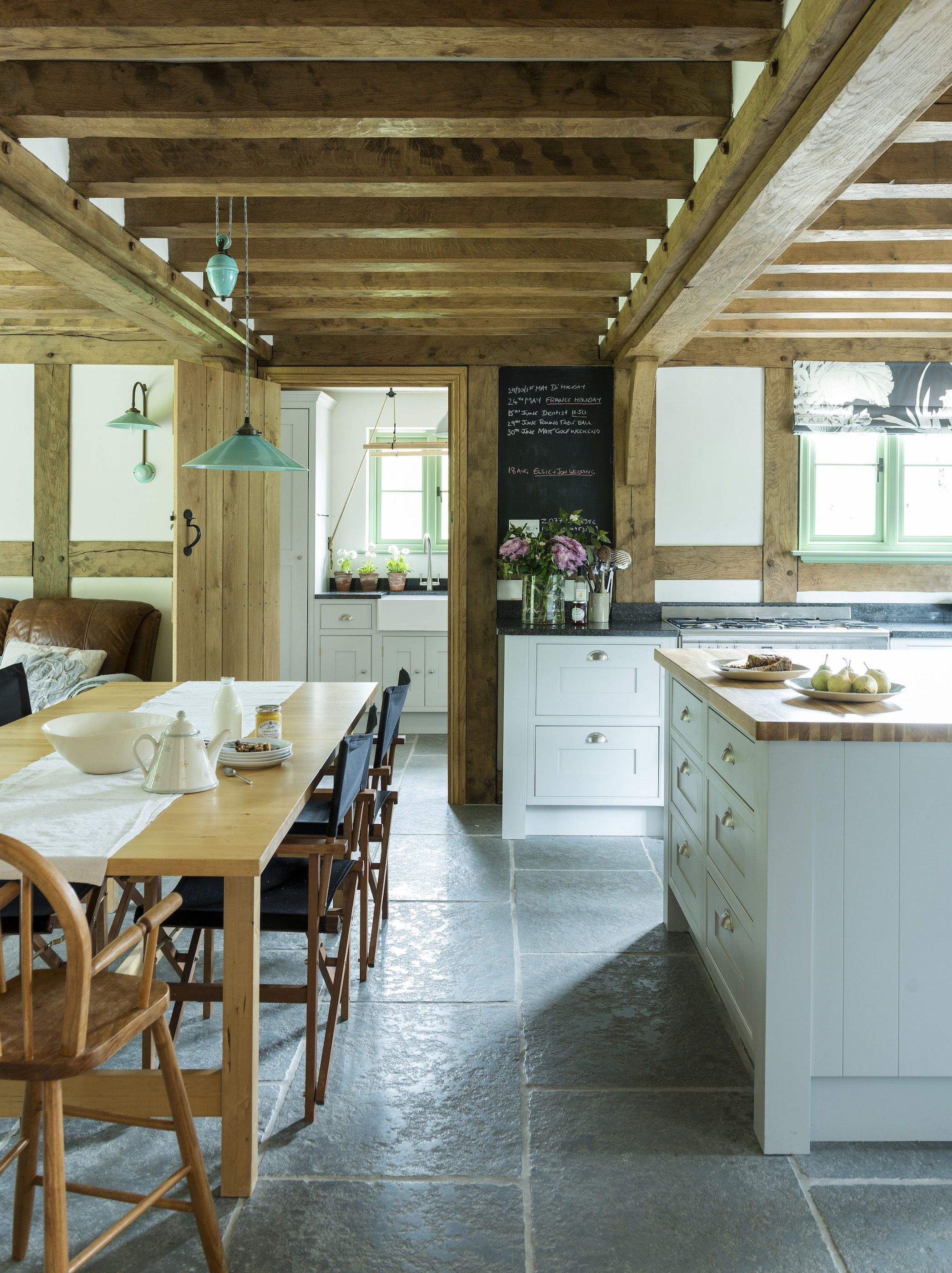 Border oak black board panel oak frame house kitchen