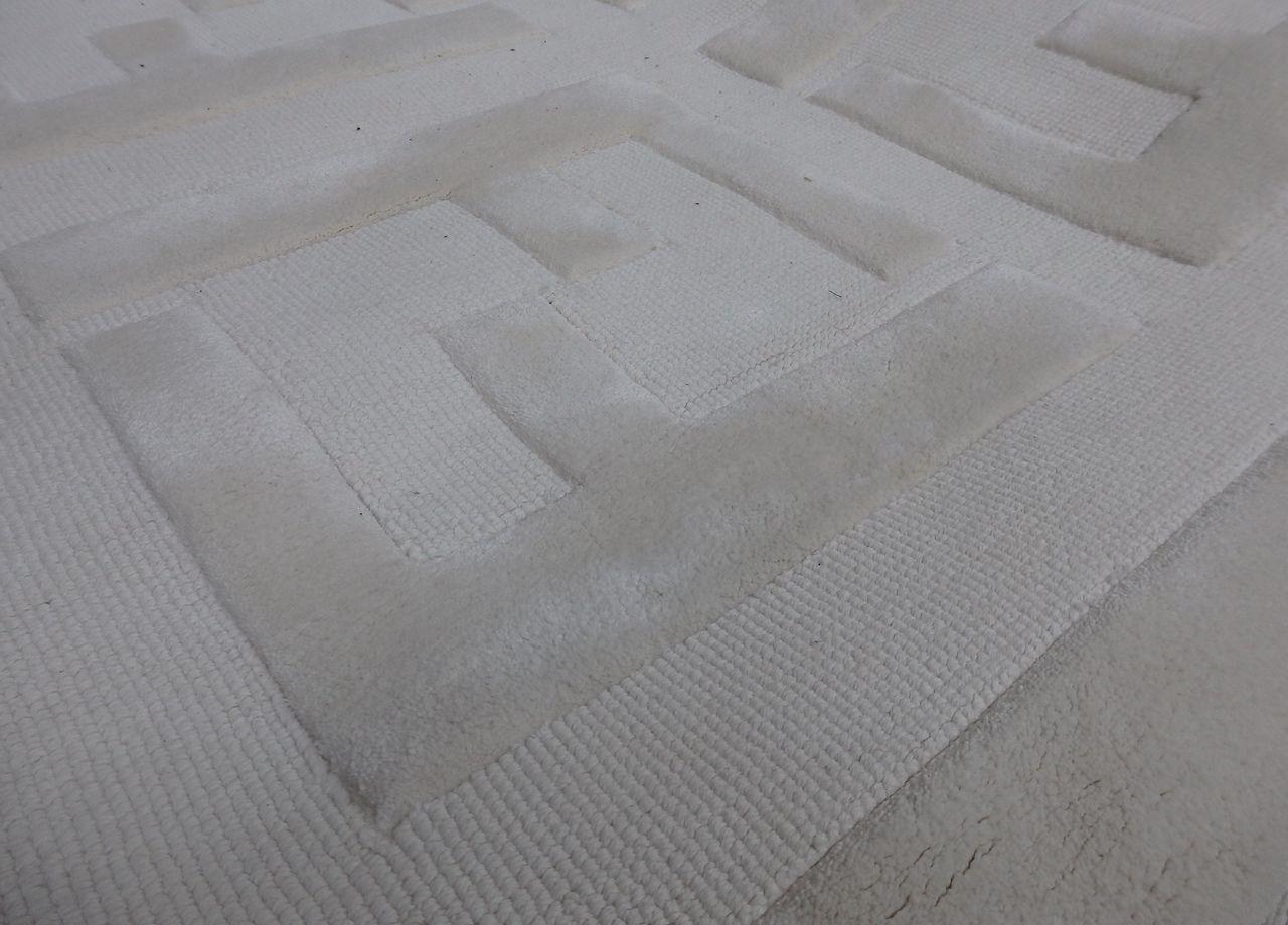 1 X Fendi Floor Rug With Raised Iconic F Brand Type Tap61 300x300cm Ref 3006982 Cl087 In 2020 Floor Rugs Rugs On Carpet Fendi
