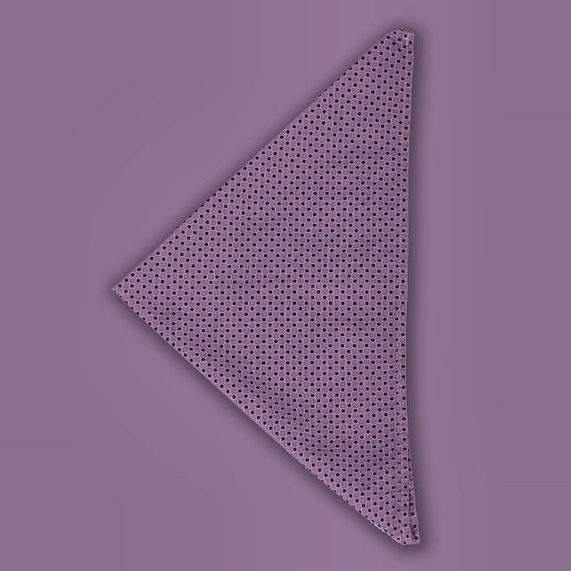 #Purple pocket square available at #Pakkend.