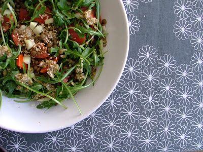 Ensalada de lentejas y rúcula con vinagreta de especias
