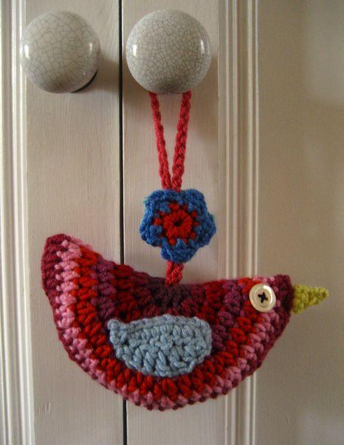 Crochet Bird Ornament (tutorial: http://attic24.typepad.com/weblog/2009/10/birdie-decoration-pattern.html)