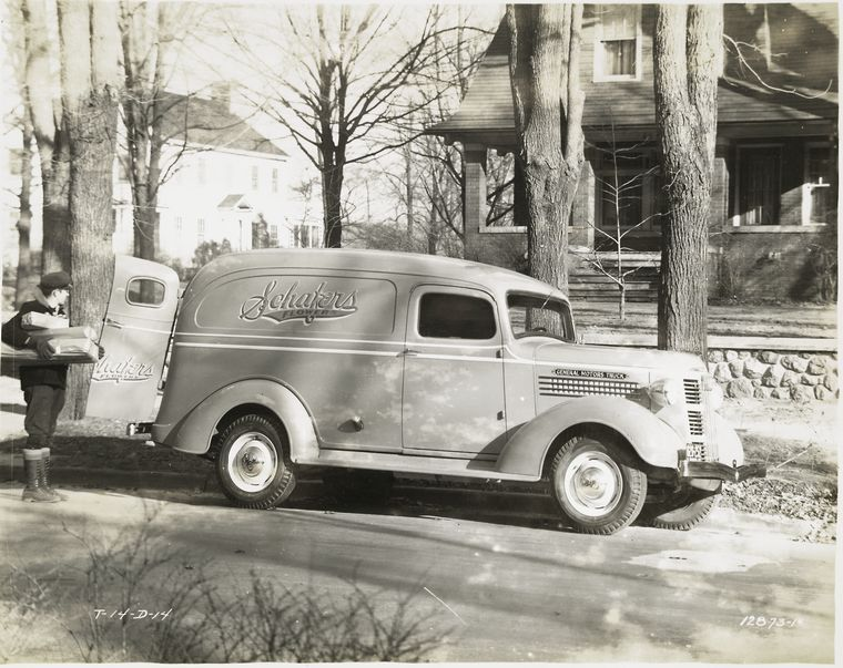 Pin By Jim S Kodak On Delivery And Service Vehicles In 2020 Nyc Public Library General Motors Cars Motor Car