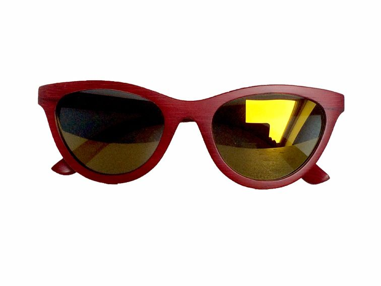 38ebb65740 Gafas de madera Coraline Soniapew. 100% ecológica en madera de bambú, hecha  a mano, lentes de sol polarizados-espejados dorados. Hipoalergénica, ligera  ...
