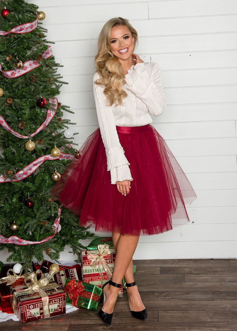 Flirty in Burgundy Tulle Skirt - Modern Vintage Boutique | Christmas  fashion outfits, Christmas outfits women, Casual christmas party outfit