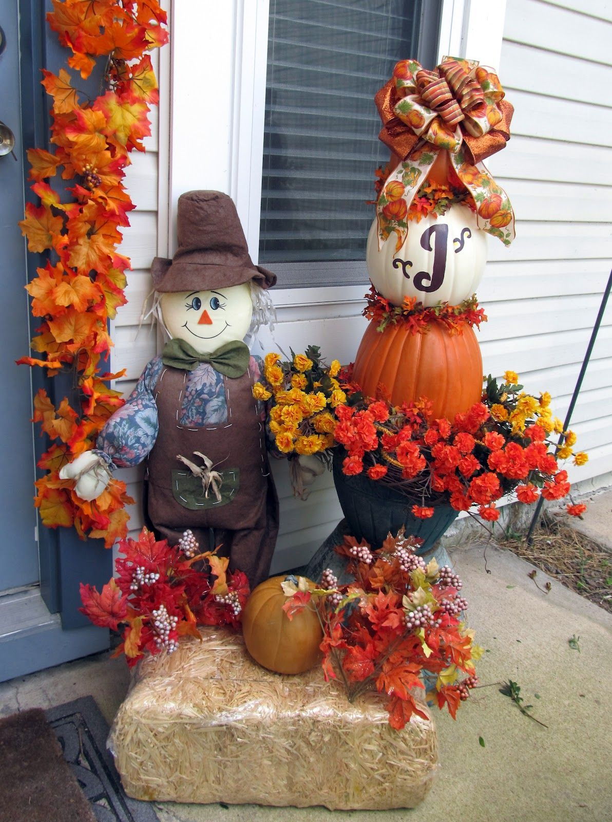 Pictures Of Hay Bale Decorations With Scarecrows Pulled Out My Other Decorations And The