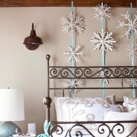 Winter-Deko-Ideen-zu-Hause-holz-schneeflocken-schlafzimmer - winter deko wohnzimmer