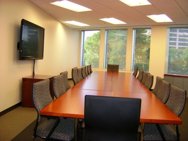 Bryn Mawr Avenue Executive Offices Book Meeting Room Space At 8770 W Bryn Mawr Avenue Chicago Il 60631 Meeting Room Conference Facilities Home Decor