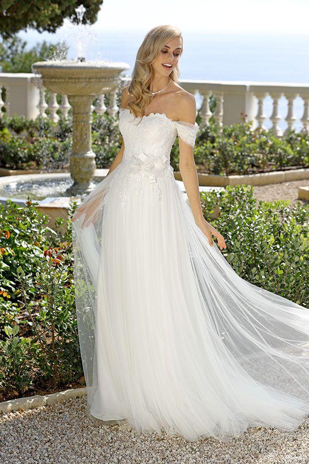 Ladybird trouwjurk | Wedding Gowns-Sheaths/BOHO | Pinterest | Dress ...