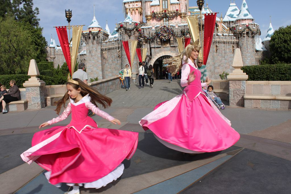 Little Girl Wows Disneyland Princesses With Her Homemade Versions Of Their Costumes. These are beautiful!