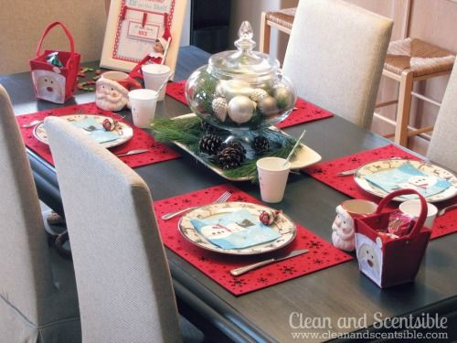 Elf on the Shelf Welcome Breakfast   Christmas paper plates Elves and Elf ideas & Elf on the Shelf Welcome Breakfast   Christmas paper plates Elves ...