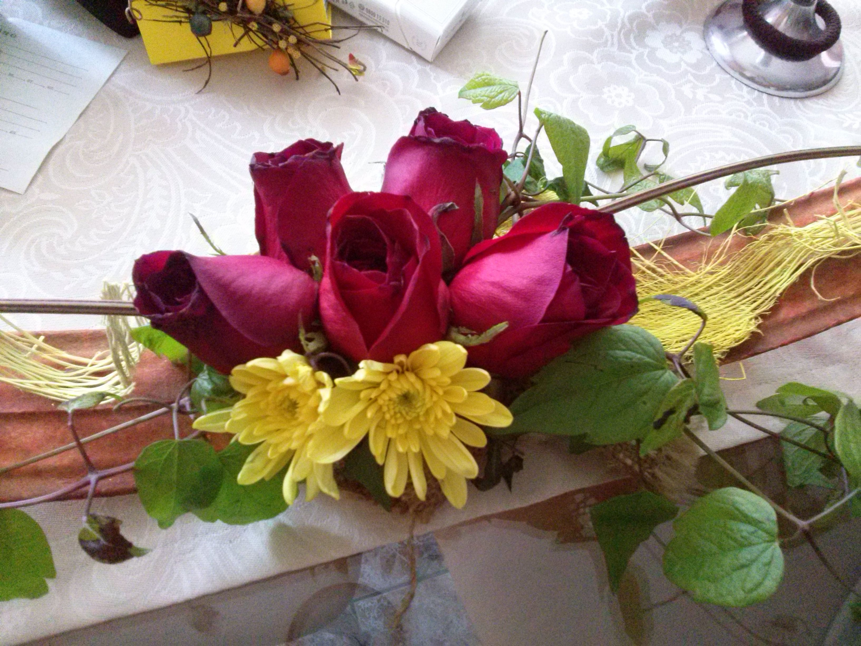 Charming Birthday Flowers For 30th Roses Mums Discover Meaning