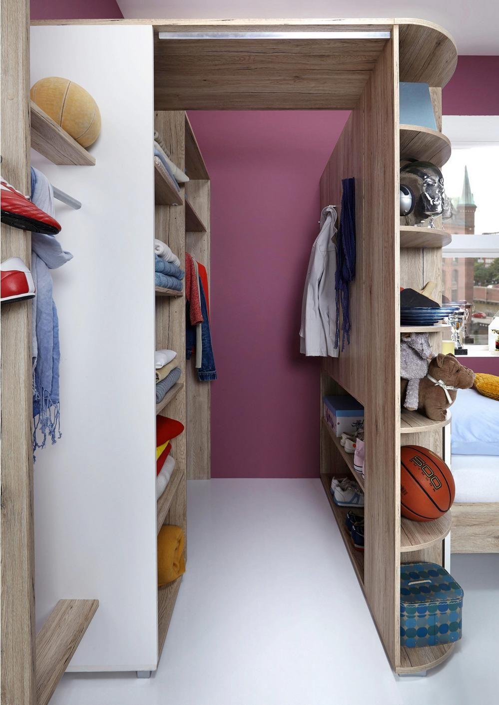 Begehbarer Kleiderschrank Mit Viel Stauraum Mit Bildern