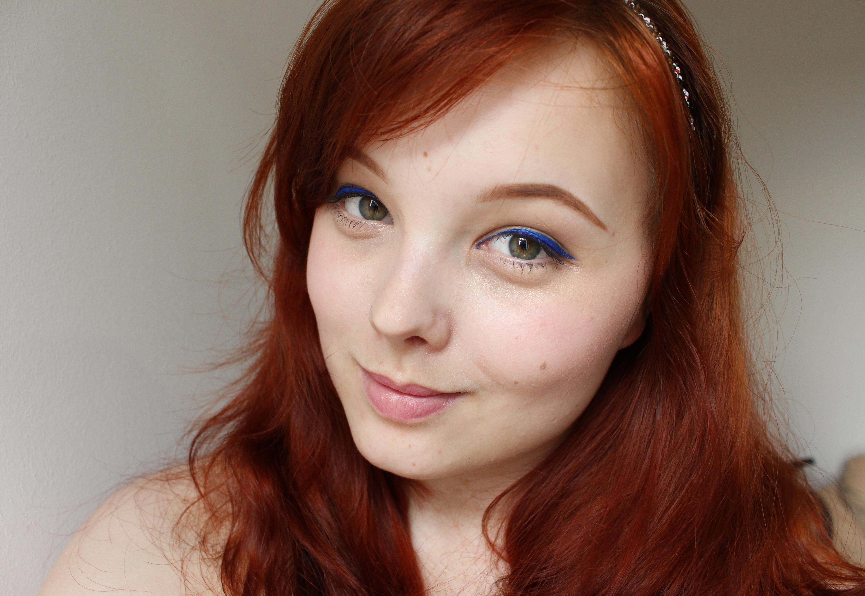 Hantastic Beauty: Look: Royal Blue Eyeliner