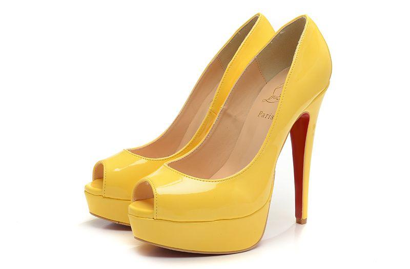 CHRISTIAN LOUBOUTIN Tacones amarillo