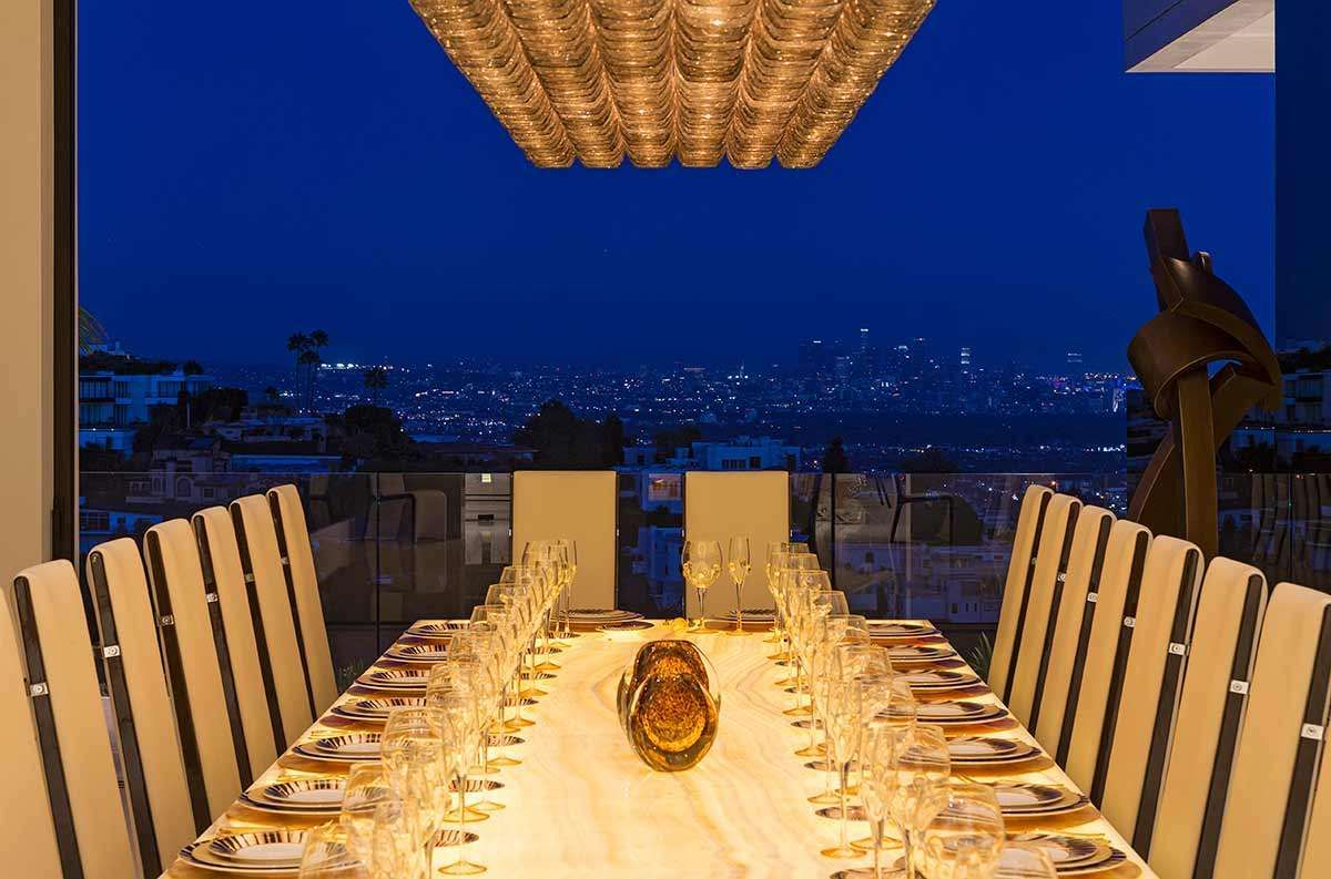 Lets Eat The Carter Family Will Surely Enjoy Sitting Around Homes Massive Dining Ta